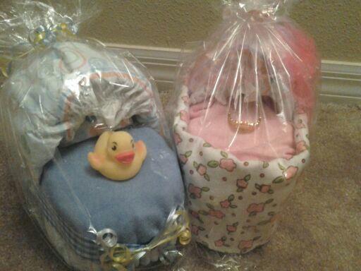 Mini Diapers cake bassinet