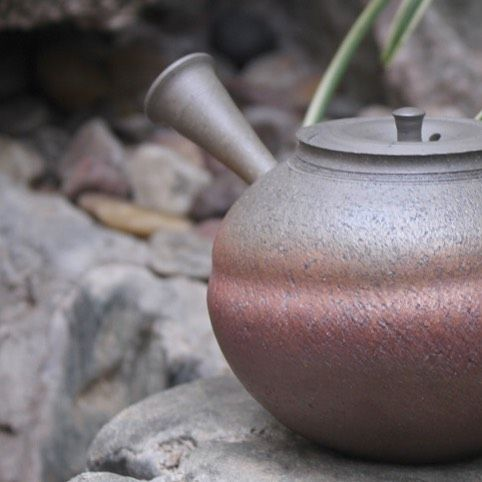 Yakishime nanban teapot by Mizuno Yokei  #ceramics #ceramic #pottery #teapot #kyusu #kyuusu #teatime #greentea #sencha #tea #japaneseceramics #japanesepottery #wabicha #wabipot #tokoname