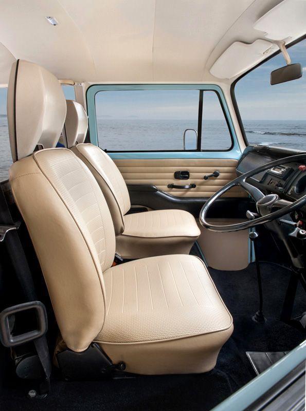 Pin By Carlos Reyes On Vw Kombi In 2020 With Images Vw Bus Interior Kombi Interior Volkswagen Interior
