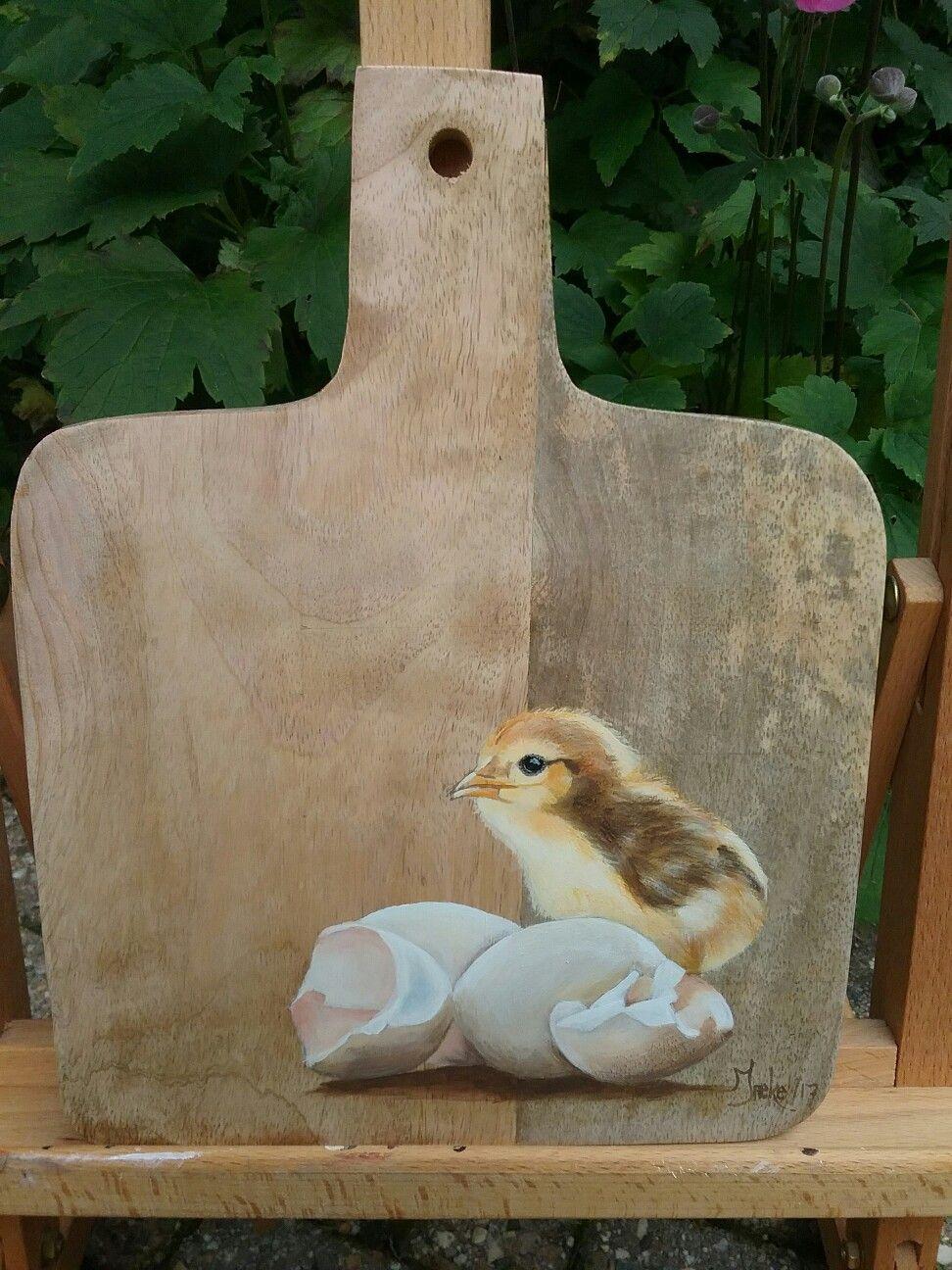 Klein kuiken geschilderd op hout met acryl door Ineke Nolles.