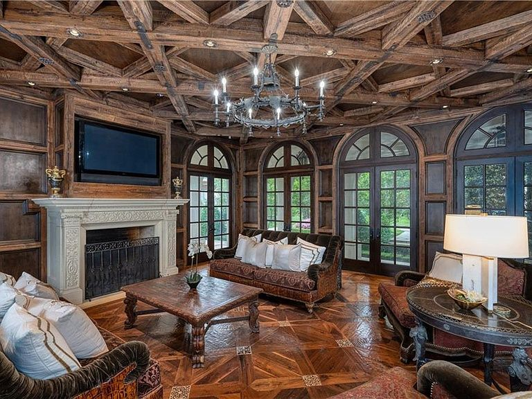 10711 Strait Ln Dallas Tx 75229 Mls 14085152 Zillow House System Zillow Indoor Basketball Court