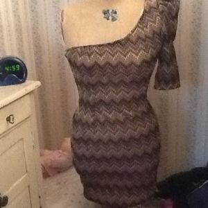 I just discovered this while shopping on Poshmark: ZIG ZAG CHEVRON ONE SHOULDER DRESS sz L NWT. Check it out!  Size: L