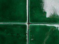 Groene Wandtegels Keuken : Handvorm donker groene tegels tegels green