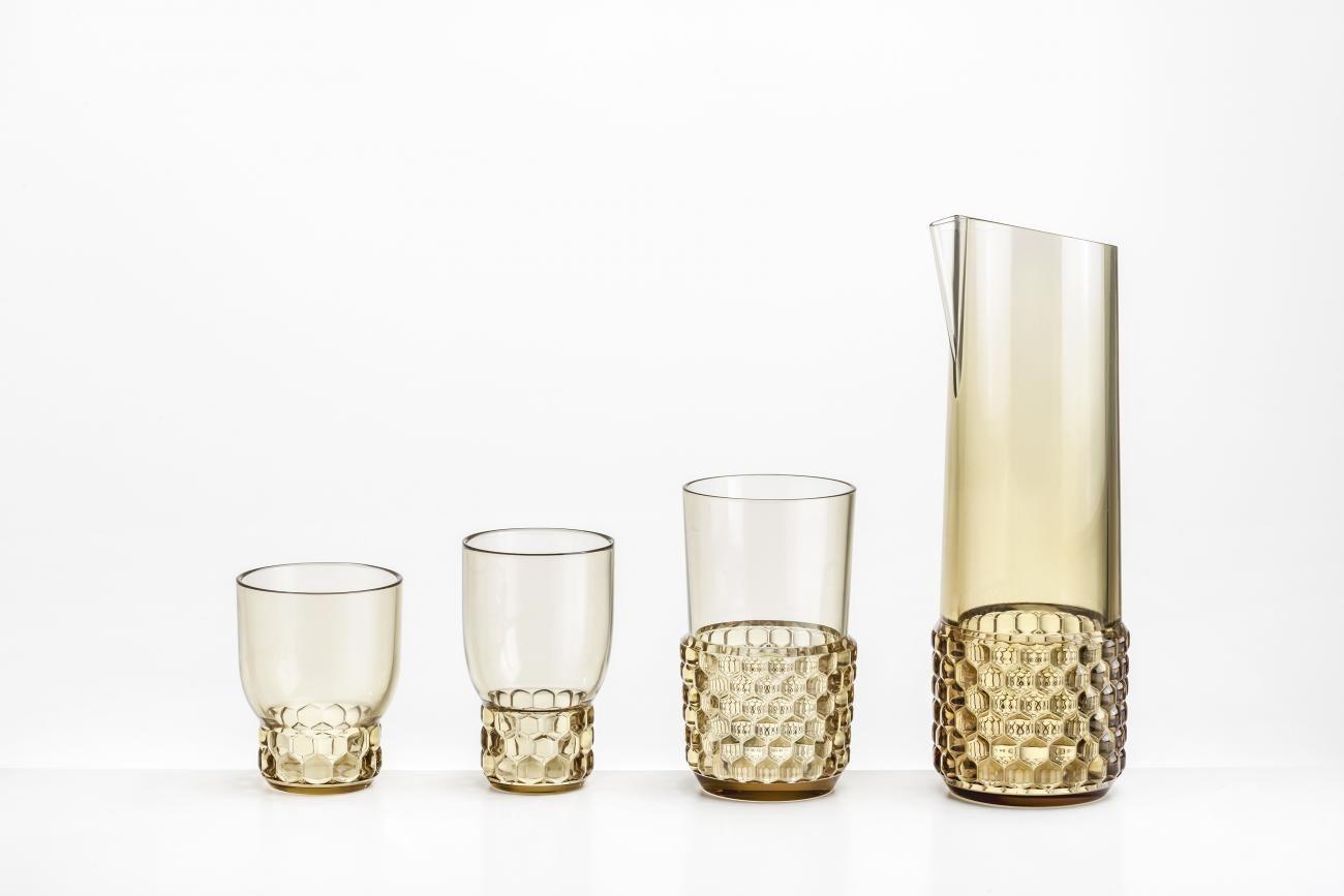 Unser Favorit: die wunderschöne Karaffe mit Gläsern. Preis: ca. 116 Euro