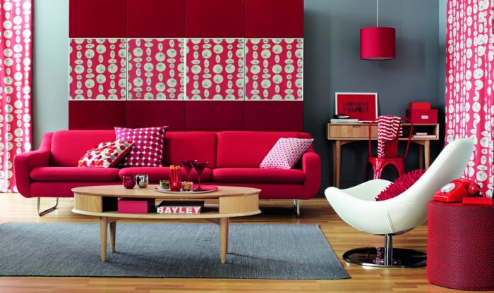 farbgestaltung wohnzimmer wandgestaltung wanddesign rot erdbeer ...