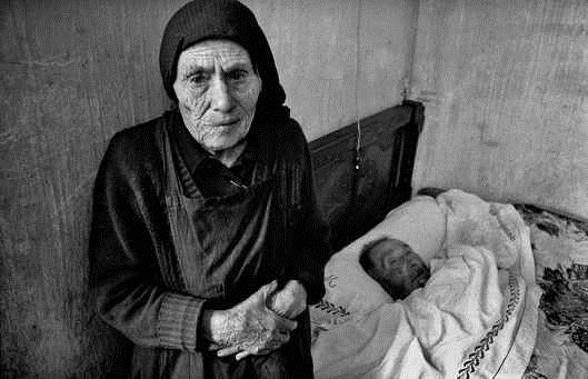 """: ancianos; crisis de valores en la sociedad; maltrato Condenada a 13 años de cárcel por homicidio contra su madre, muerta por """"total abandono"""""""