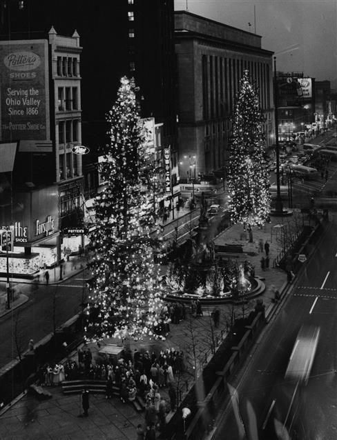 Christmas Things To Do In Cincinnati : christmas, things, cincinnati, Christmas, Square, Photos, RetroCincinnati.com, Cincinnati,, Past,, Cincinnati
