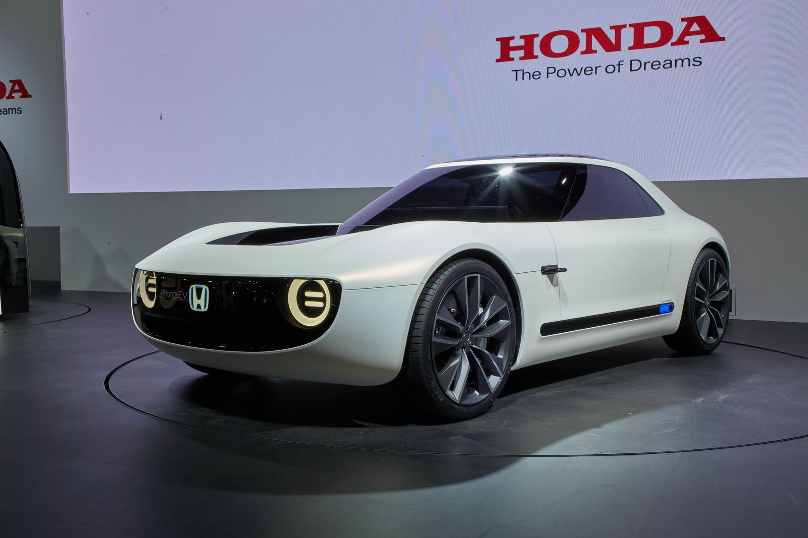 Honda Seems To Have The Right Idea On How Make An Electric Car Judging