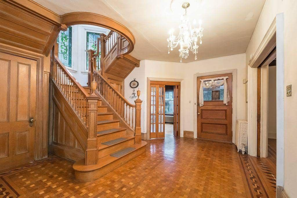 Pin By Debe Merrifield On Grand Entrance Staircase Design Old House Dreams Stairs Design
