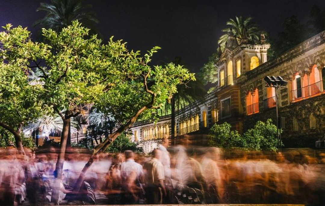 Sevilla te espera en Octubre para que la descubras en AVE