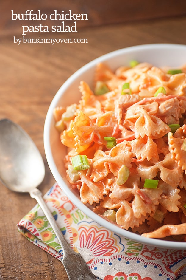 Spicy buffalo chicken pasta salad! Perfect for a summer barbecue! #buffalochickenpastasalad Spicy buffalo chicken pasta salad! Perfect for a summer barbecue! #buffalochickenpastasalad