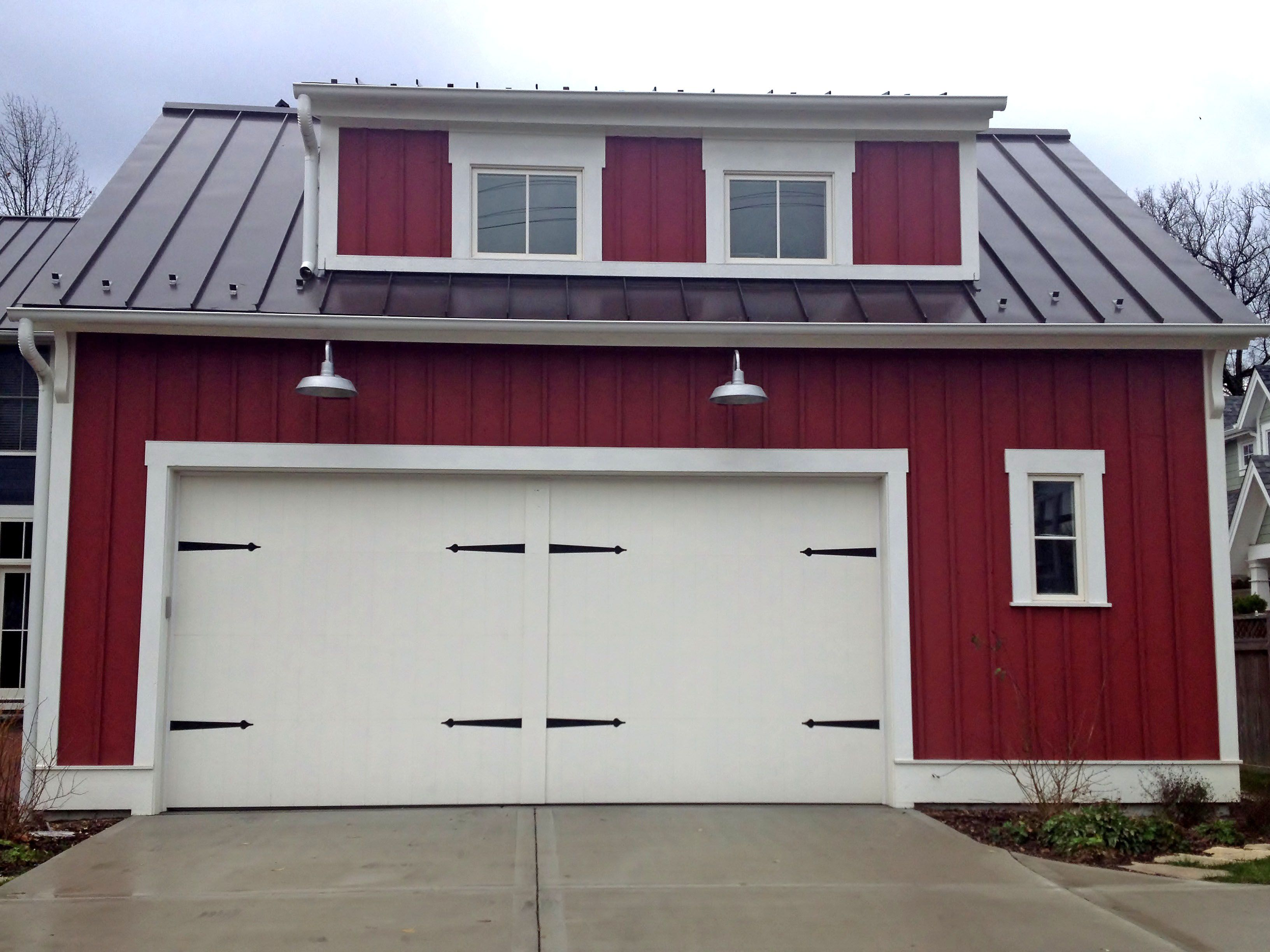 Interesting Modern Farmhouse Architecture With Large Wooden Garage Doors  Decals Also Sweet Red Front Views Wall Houses As Well As Sweet Green Grass  Front ...