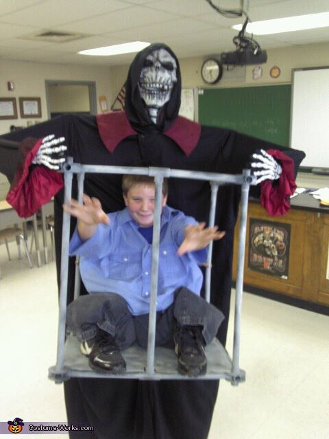 Boy Trapped In Cage By Monster Halloween Costume Contest