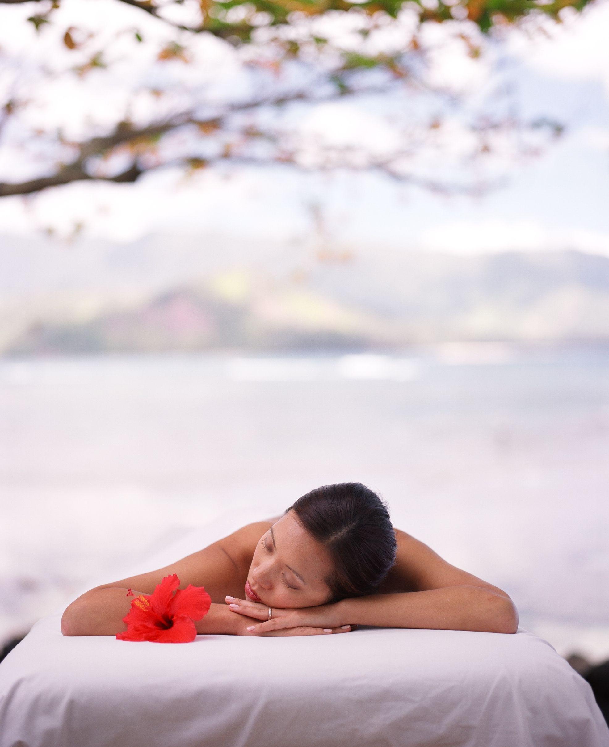 Kauai spa beachside massage i would love to have a lomi
