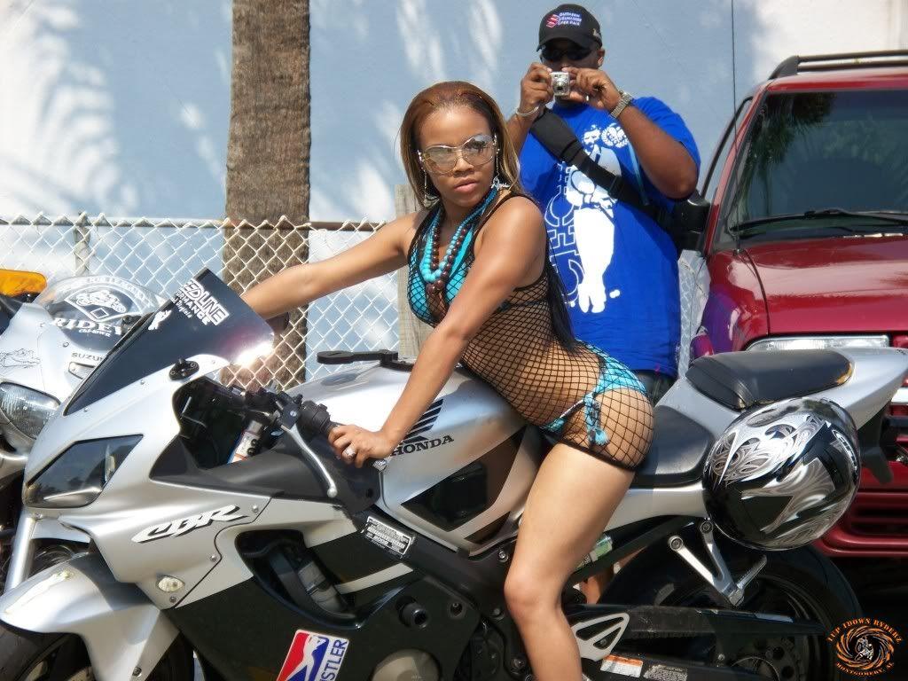 Videos calientes black bike week pussy woman on the beach nude