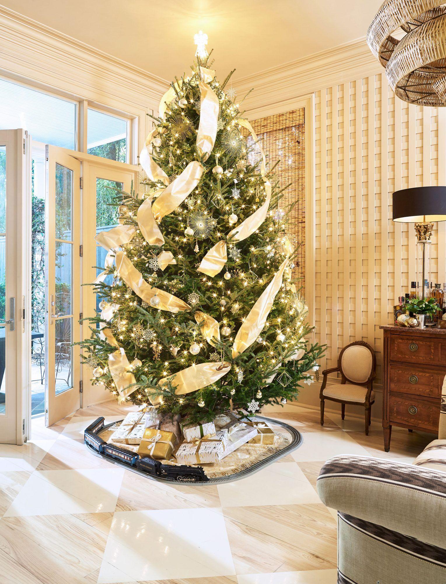 Cece Calhoun's New Orleans Home Sparkles During the
