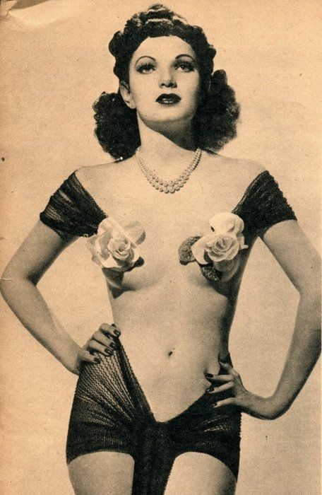 1940 (Famous Eldoradine pin-up Tulip Sinclair, as seen inside a thousand footlockers)
