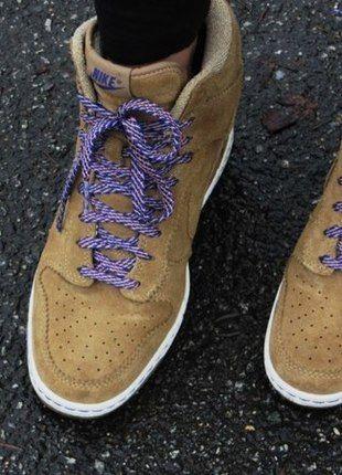 3a03dd3d74de2 Nike Dunk Sky High, Daim marron, semelles compensées, lacets violets ...