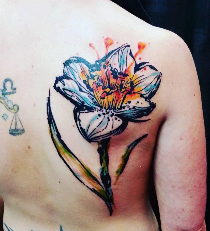 Pretty Watercolor Tattoo For Men Daffodil Tattoo Narcissus Flower Tattoos Flower Tattoo Shoulder