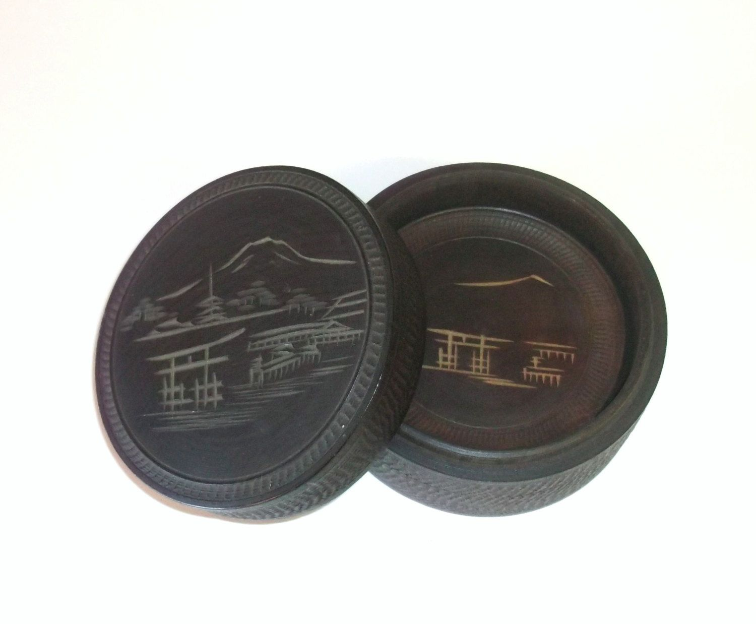 Vintage Round Wood Coasters In Wooden Box Made In Japan Drink Coasters 20 00 Via Etsy Wood Coasters Wooden Boxes Traditional Japanese Architecture