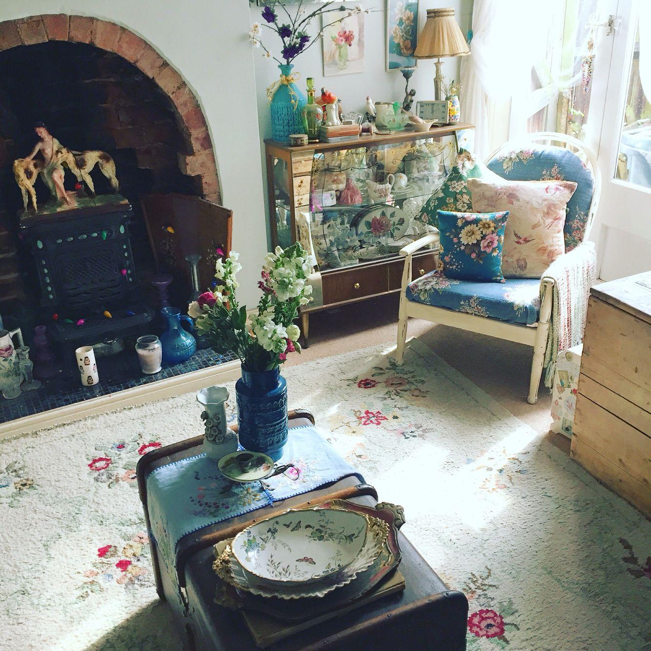 A sunny corner of my home - Lisa ❤️ Vintage x