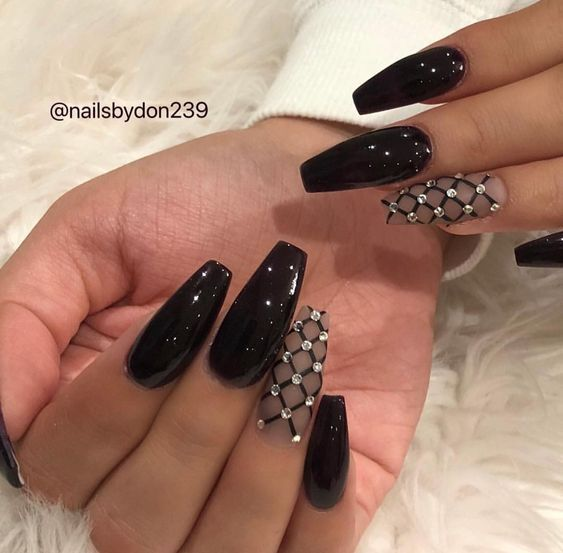 Here We Ve Got Return Up With Some Pretty Black Nail Art Styles For You So Don T Go Any Diamond Nail Designs Nails Design With Rhinestones Black Nail Designs