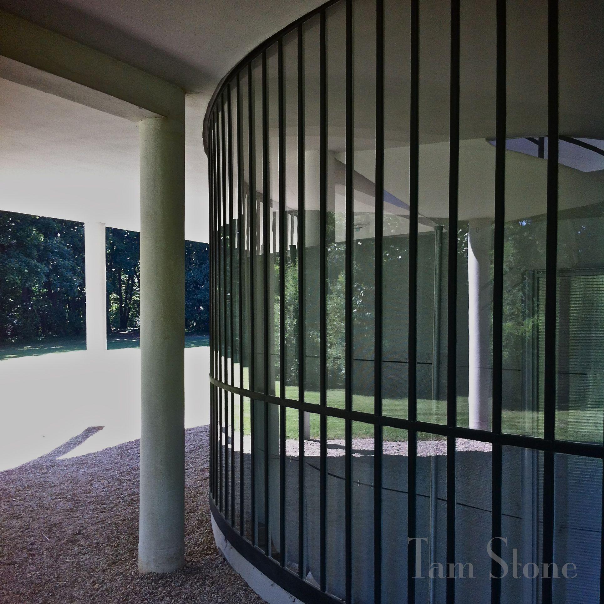 Modernist Villa Savoye | Le Corbusier | Poissy, France, c. 1931 ...