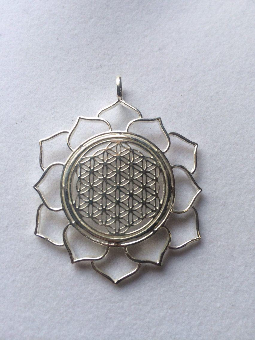 Sterling Silver Floral Mandala Brooch Pin Pendant w//Green Crystal 1 5//8 inch