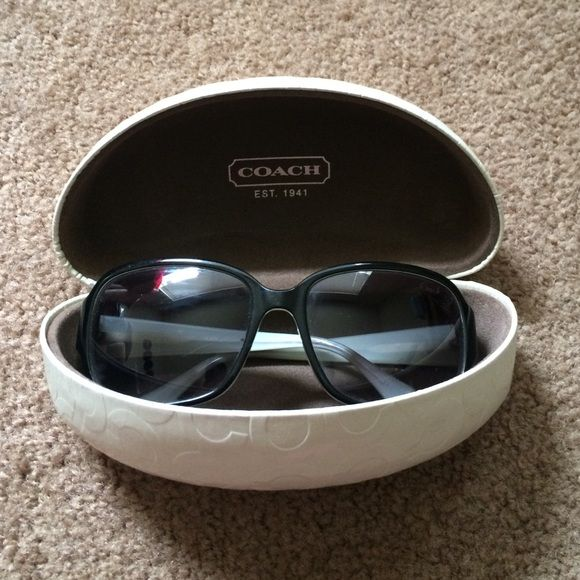 LIKE NEW AUTHENTIC COACH SUNGLASSES Worn only a few times, practically like new. Comes complete with case & cleaning cloth! Please comment any questions & make offers using the button ❤️ Coach Accessories Sunglasses