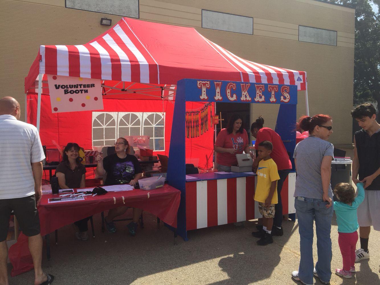 Bedford Heights Elementary Carnival Ticket & Volunteer Booth