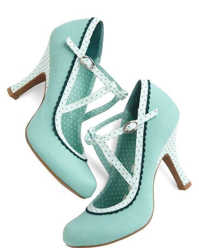 Esse Sapatinho E A Inspiracao Perfeita Para Quem Curte O Azul Tiffany Arrasador Nao E Heels Vintage Heels Vintage Shoes