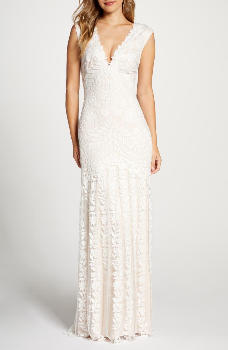 Tadashi Shoji Lace Mermaid Wedding Dress Nordstrom Petite Wedding Dress Lace Mermaid Wedding Dress Online Wedding Dress [ 1196 x 780 Pixel ]