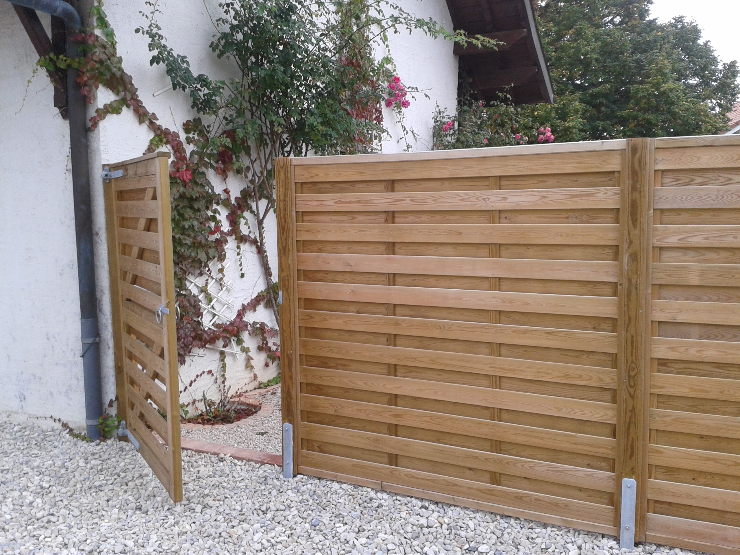 Merveilleux Jacksons Horizontal U0027Hit And Missu0027 Fence Panels With Matching Gate | #garden U2026