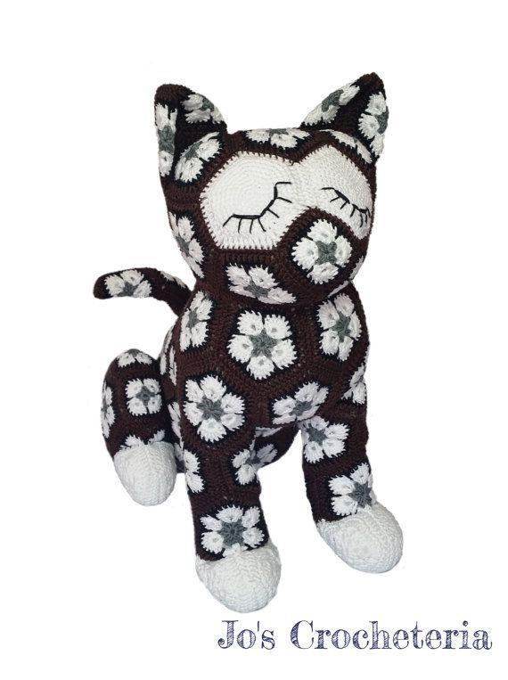 African Flower Crochet Cat | crochê | Pinterest | Flores africanas ...