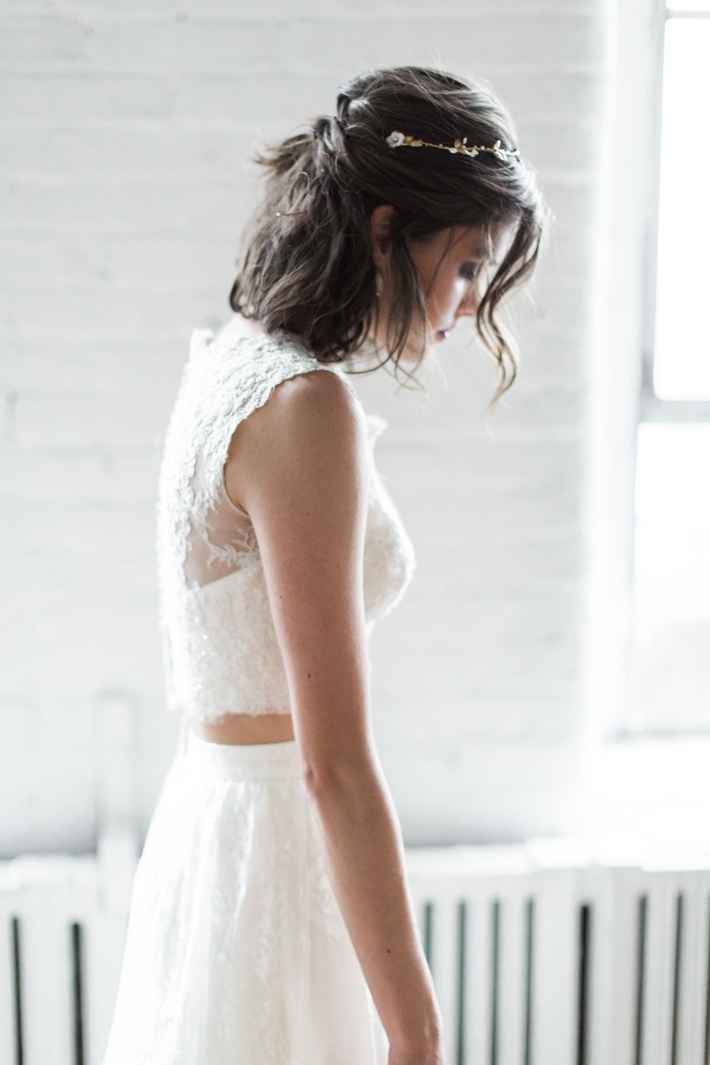 Bridal Separates To Mix And Match Your Personalized Look Bhldn Short Wedding Hair Vintage Wedding Hair Prom Hairstyles For Short Hair [ 2106 x 1404 Pixel ]