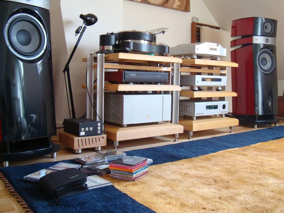 Speakers. Audiophile,Turntable,Entertainment Center ...