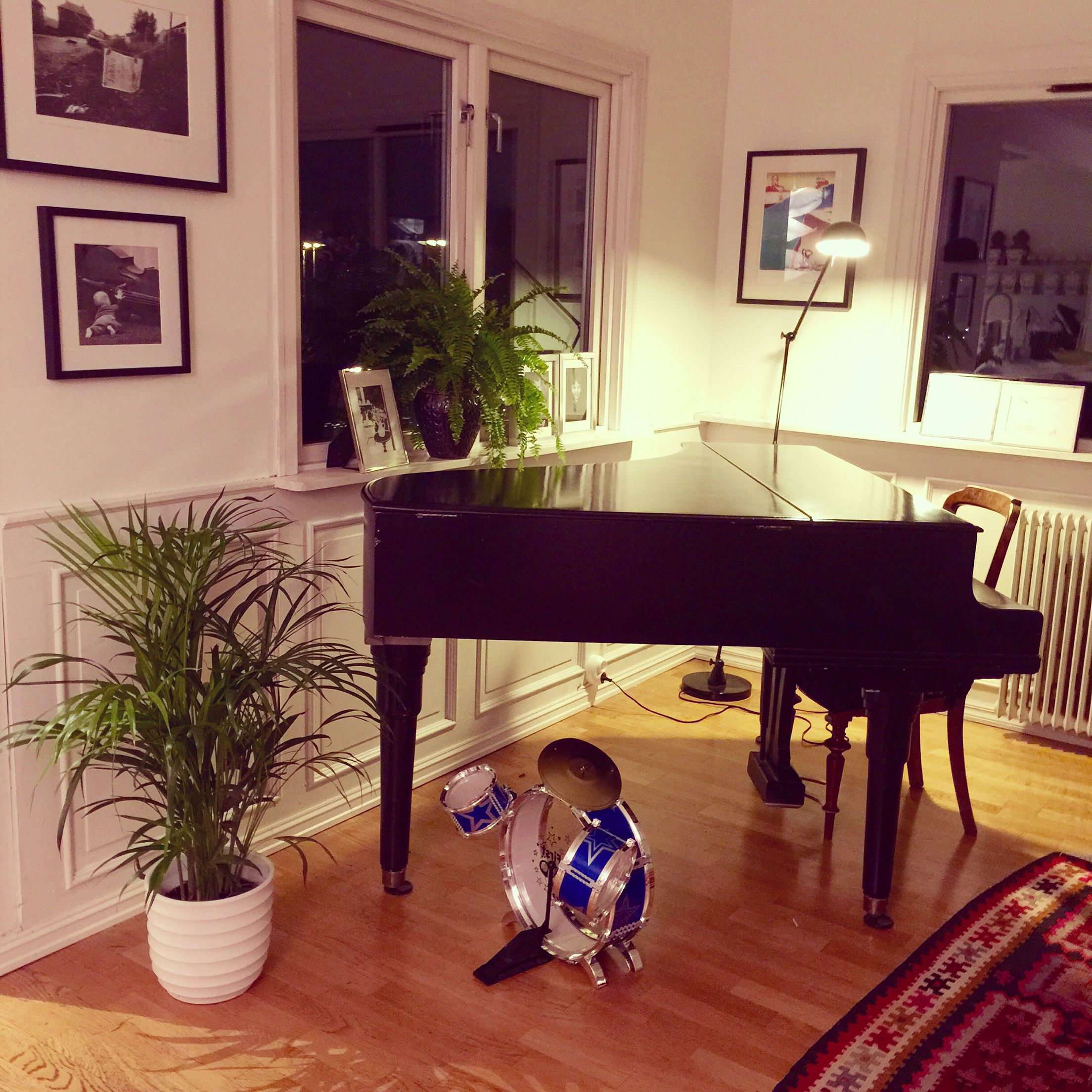 Kelim Ikea Our Grand Piano Ikea 20 Year Old Kelim Rug Our House In