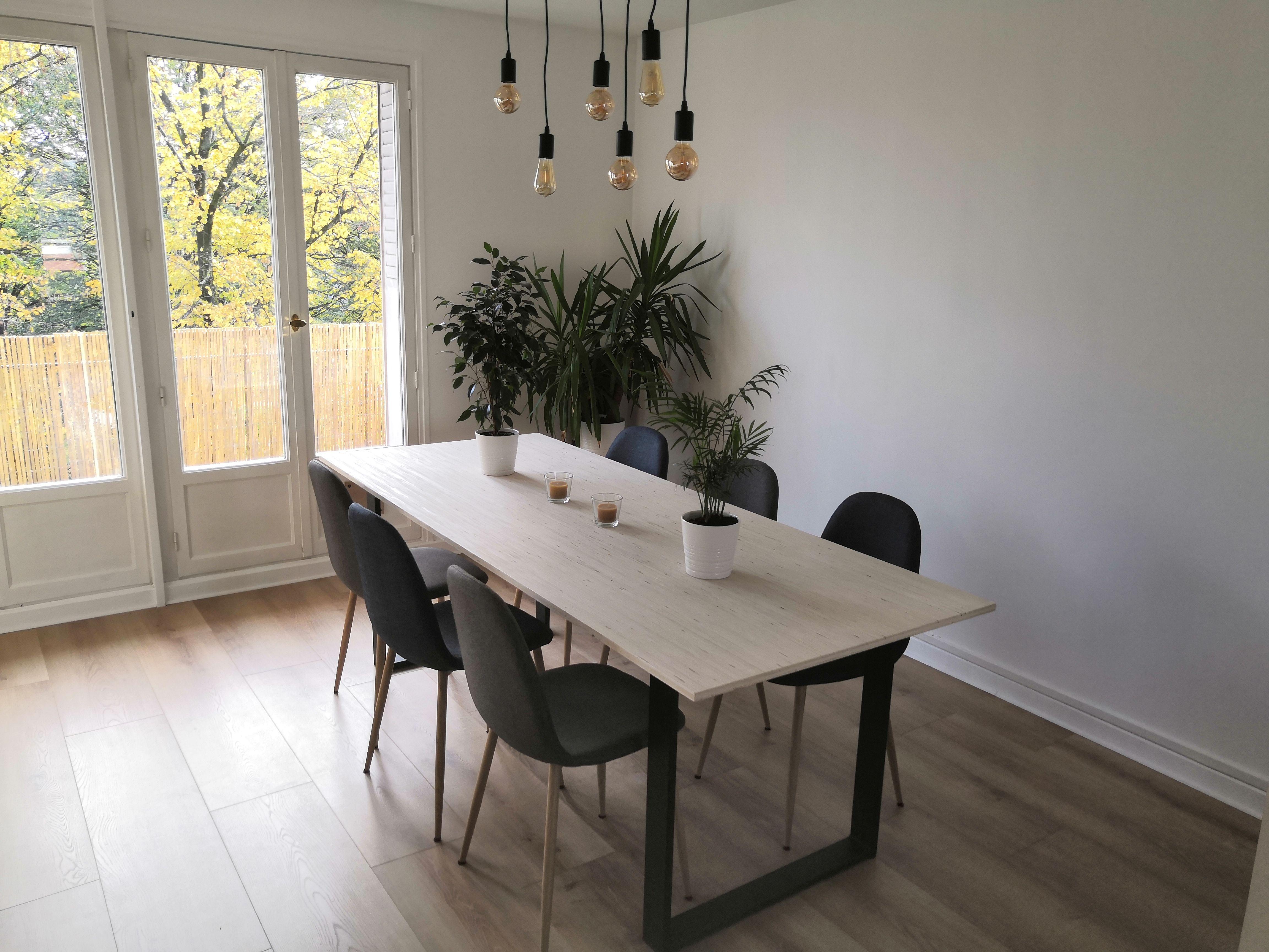 table a manger sur mesure avec plateau en bois table salle a manger table a manger sur mesure table bois massif