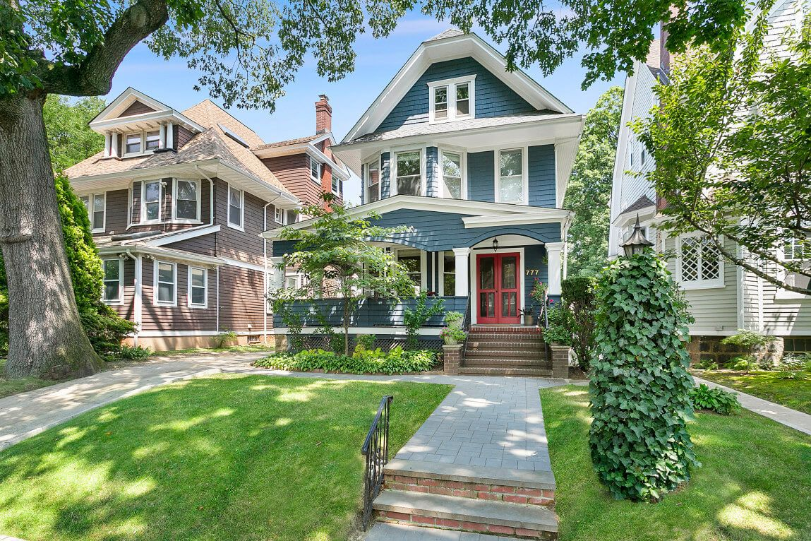 Roomy Edwardian in West Midwood With Garage, Porch, Curb