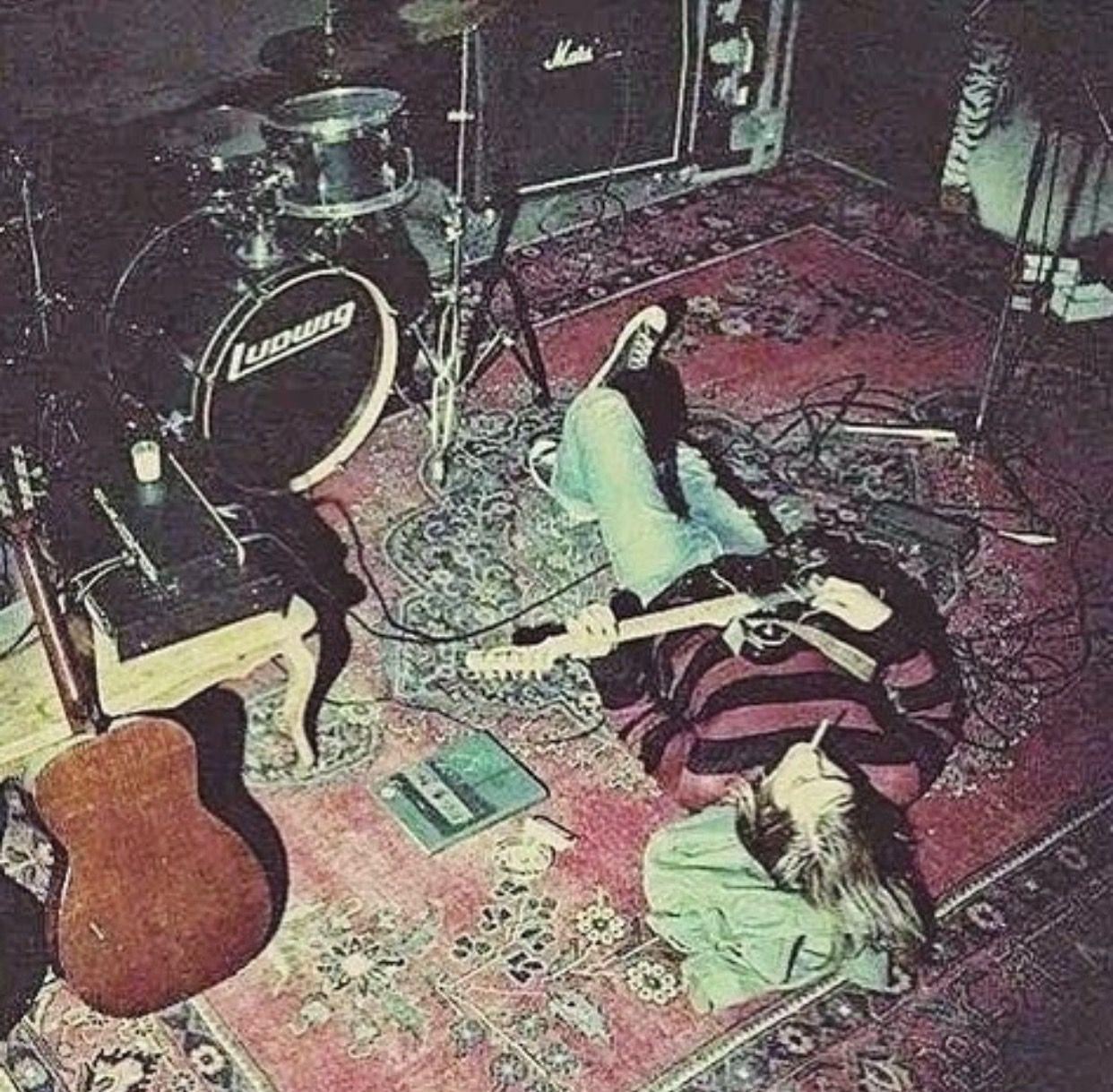 Kurt Cobain Aesthetic Pinterest