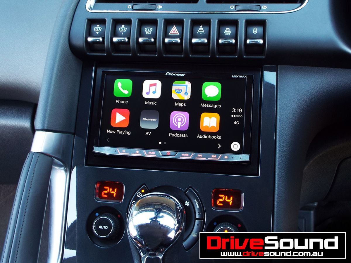 Peugeot 3008 with Apple CarPlay installed by DriveSound.