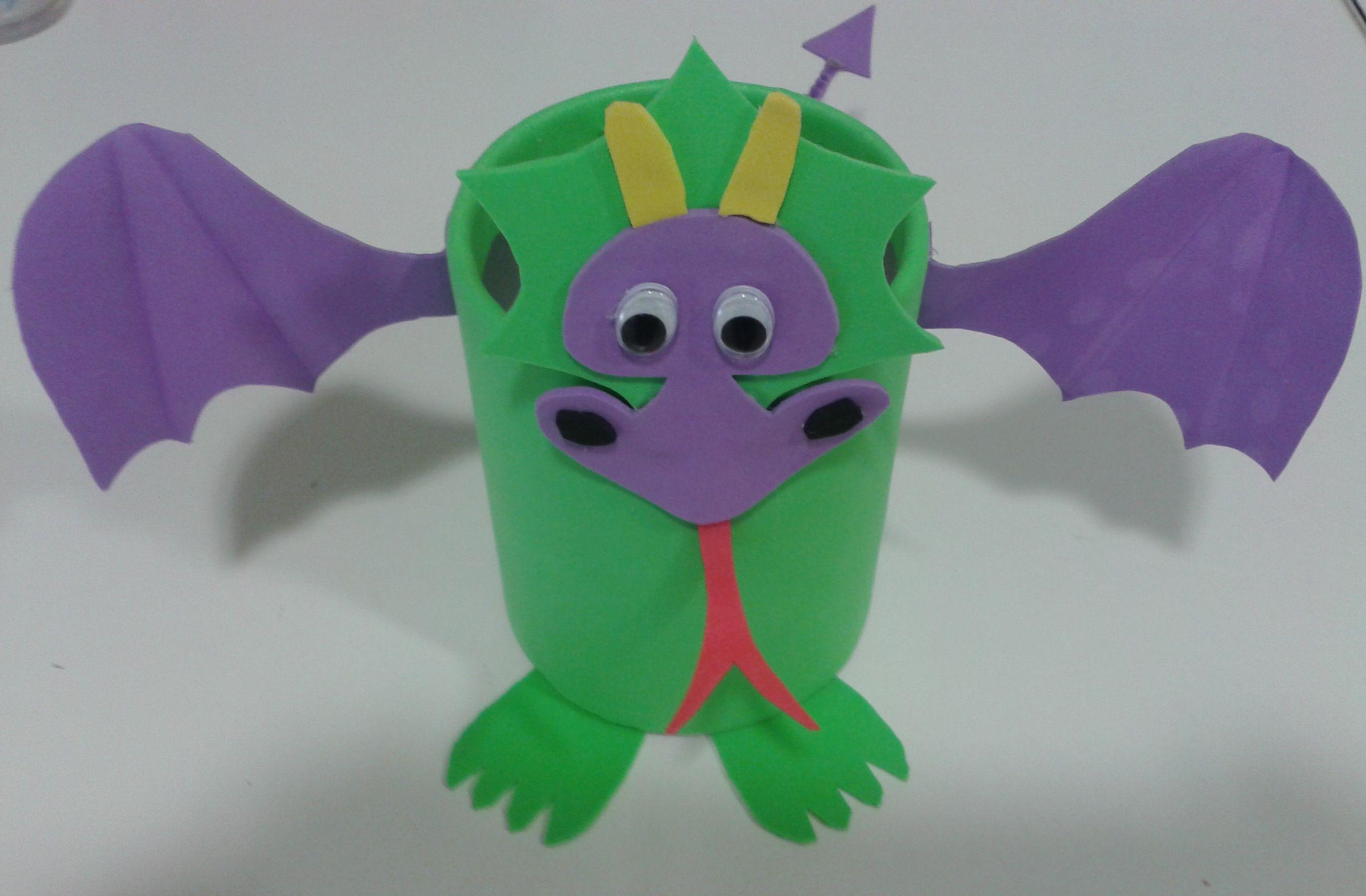 Bote dragón para bolis con goma eva