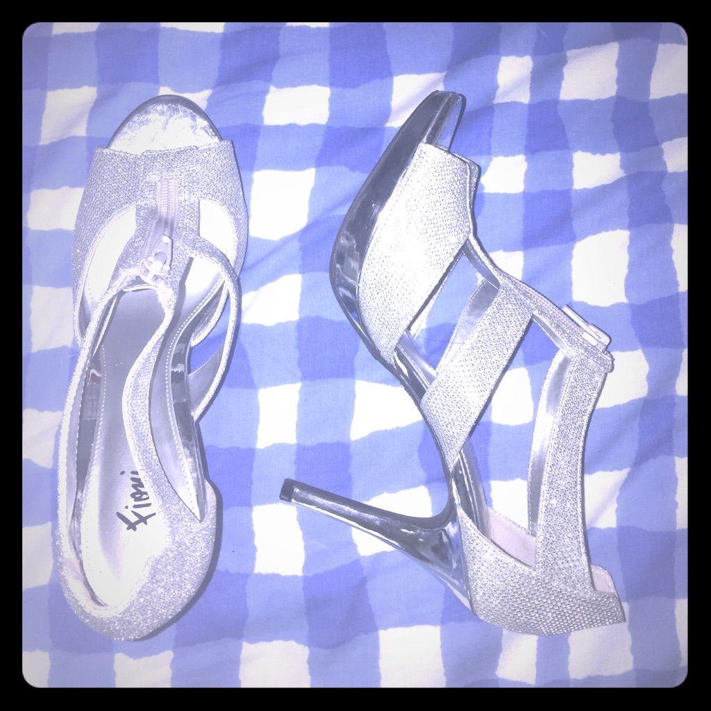 6c789b4a77e Size 7 1 2 Fioni Silver Heels