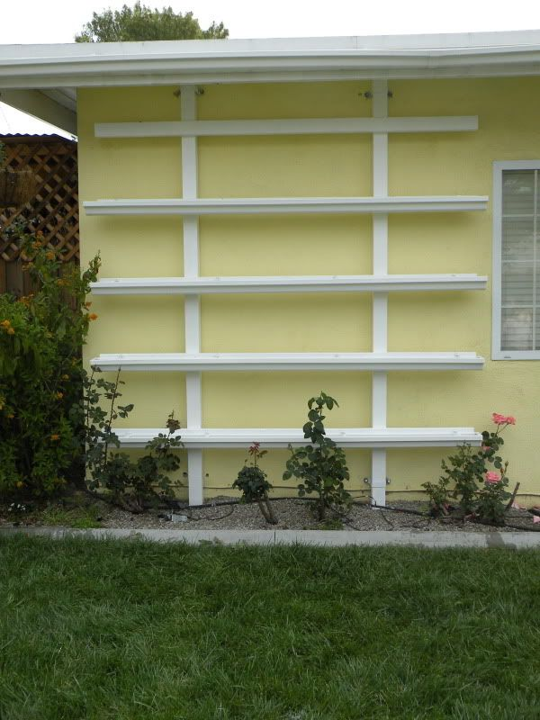gutters used for gardening herb garden gardening outdoors pinterest garten garten. Black Bedroom Furniture Sets. Home Design Ideas