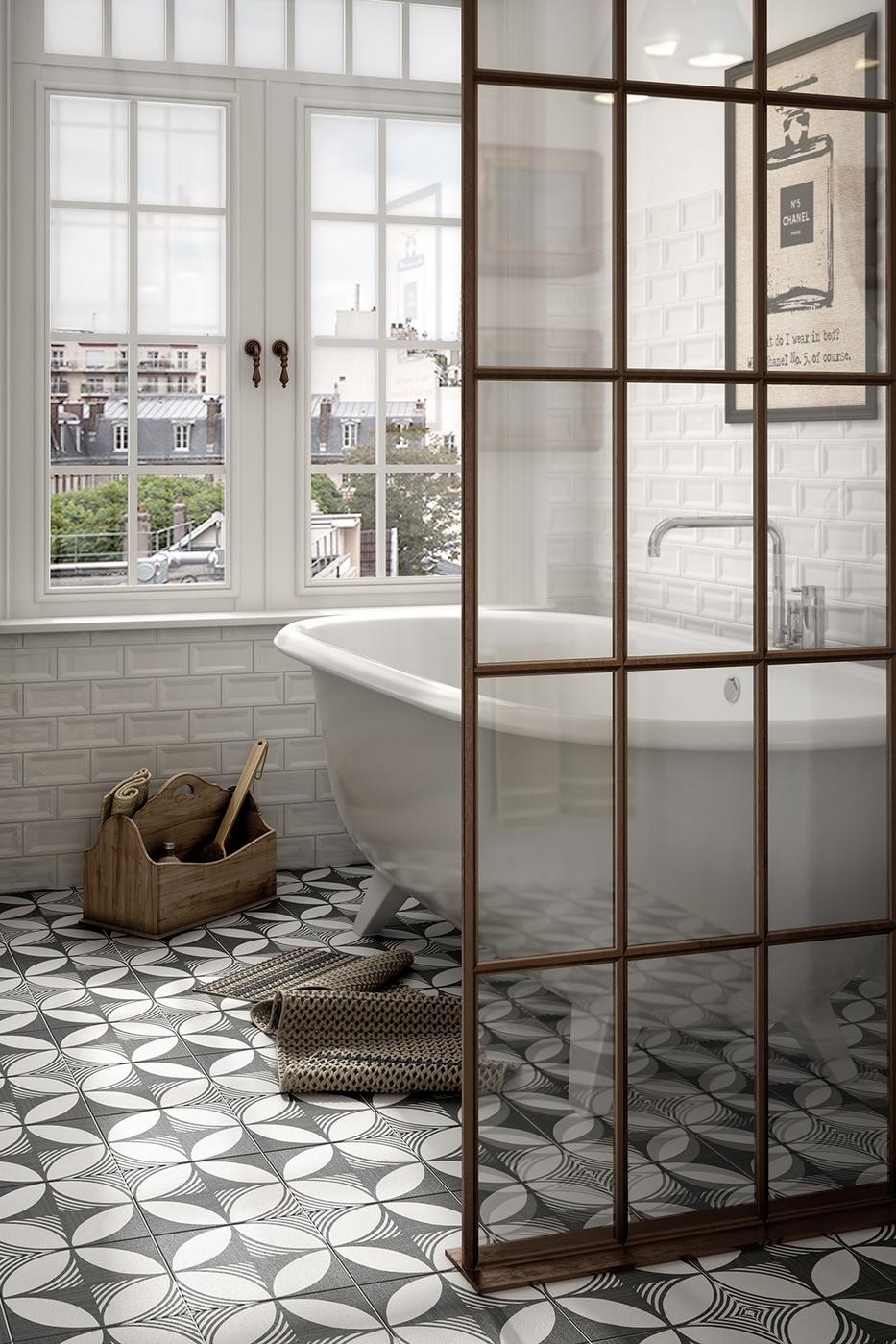 Landelijk Badkamer Met Industriele Accenten De Vloer Krijgt Een Speelse Uitstraling Door Gebruik Van Wit Grij Landelijke Badkamer Vloertegel Patronen Badkamer