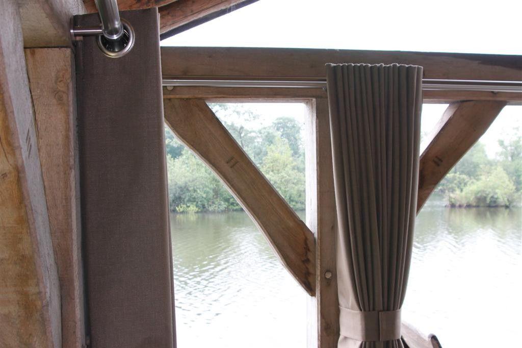 Buiten gordijn in een houten huisje tuin terras pinterest gordijn buiten en terras - Wijnstokken pergola ...