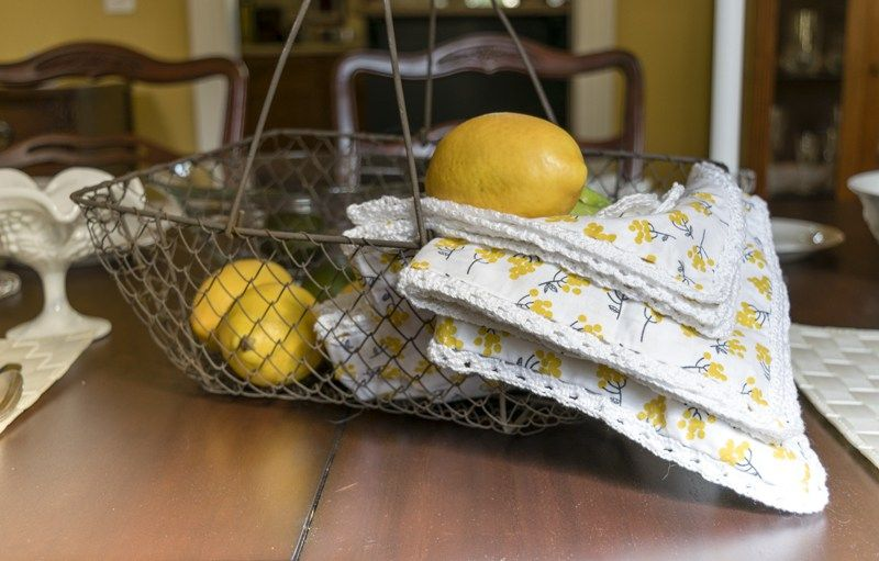 Illustrated and detailed instructions for easy to make napkins, perfect for your spring and summer table and entertaining.