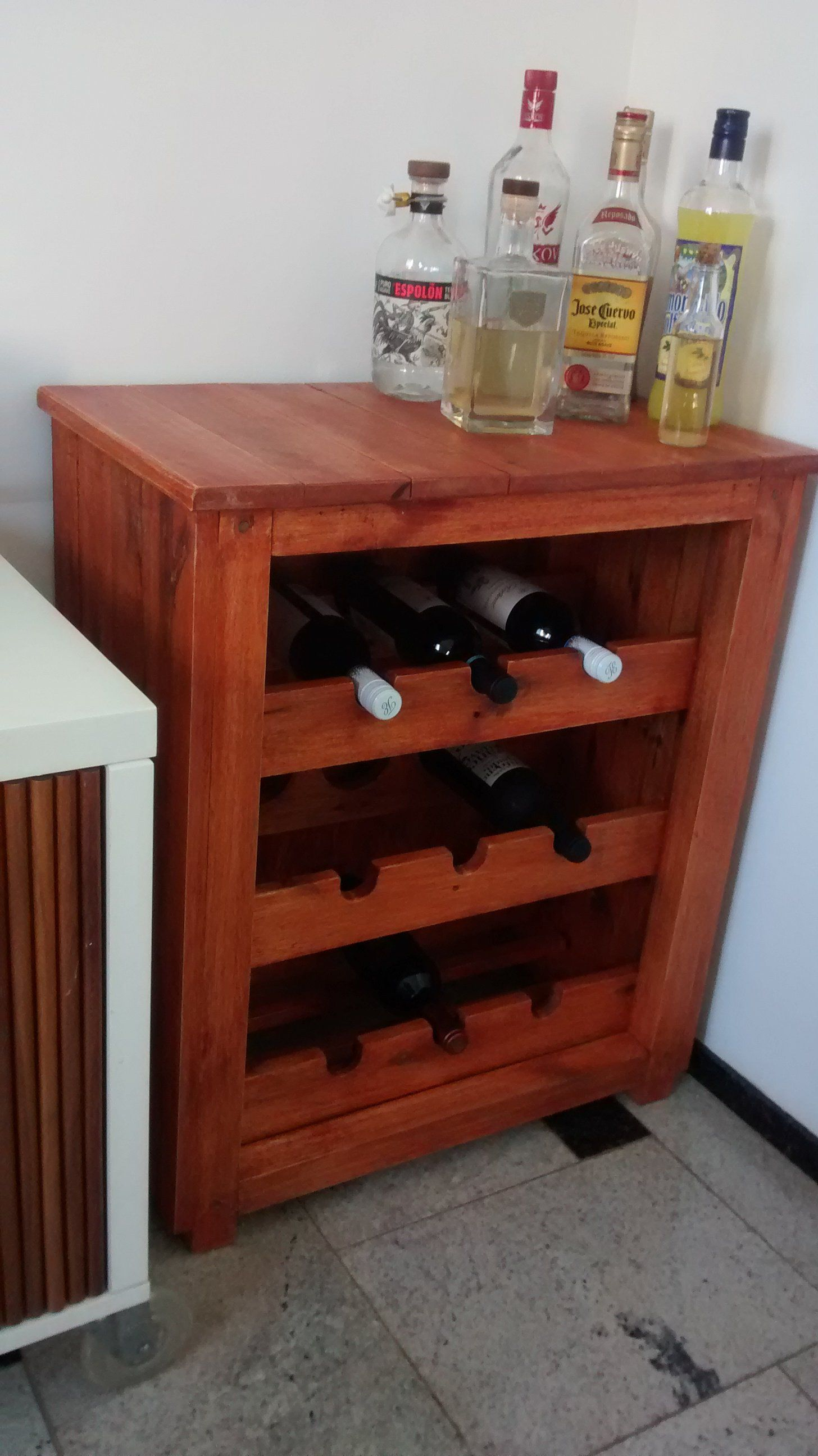 Stunning Elegant Pallet 3 Shelf Wine Rack