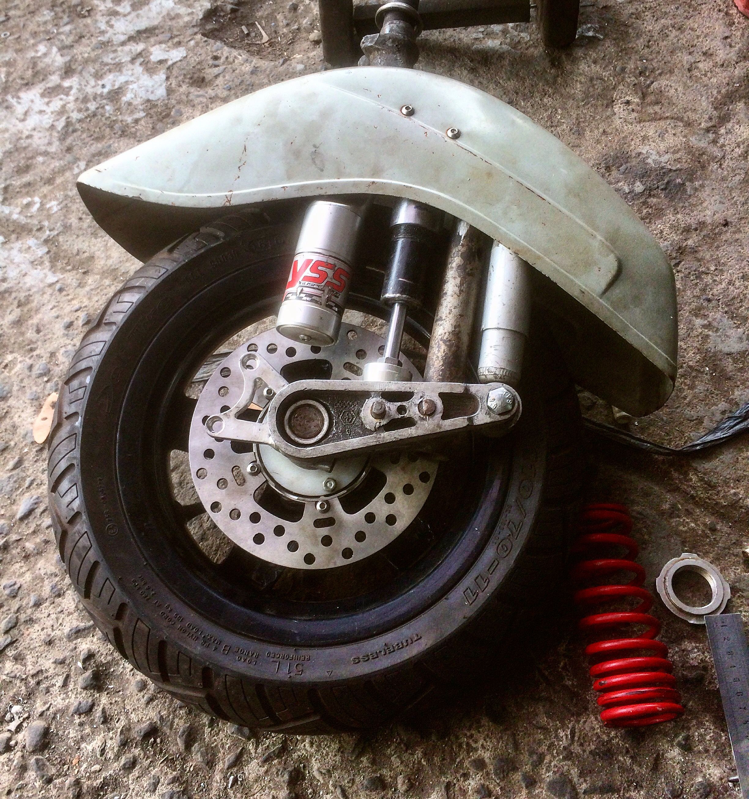 vespa custom front suspension .. 3 point linkage with yss sub tank shock breaker