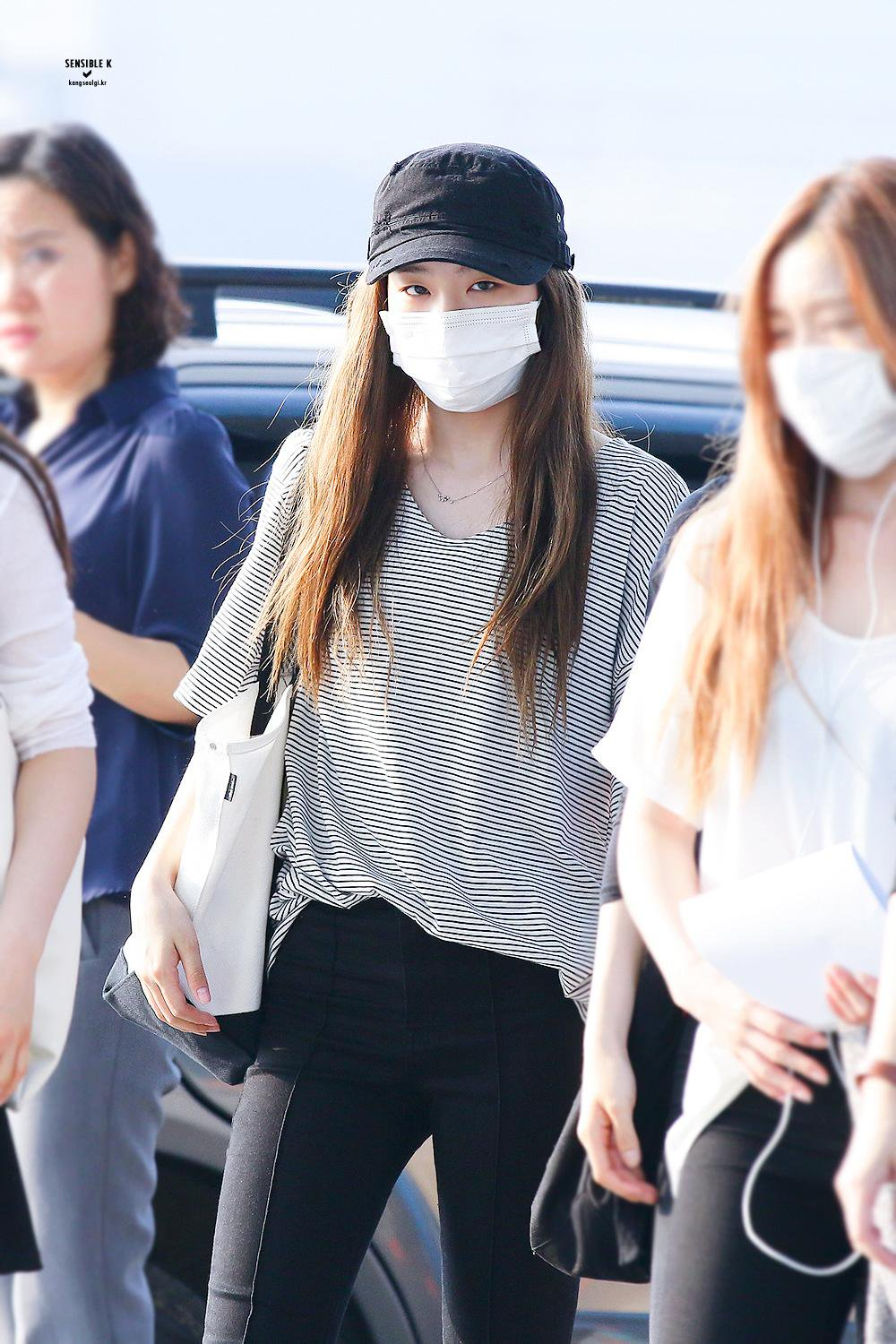 Other red velvet s airport fashion celebrity photos onehallyu - Seulgi Fashion Seulgi Airport Fashion Seulgi Airport 2016 Red Velvet Seulgi 2016